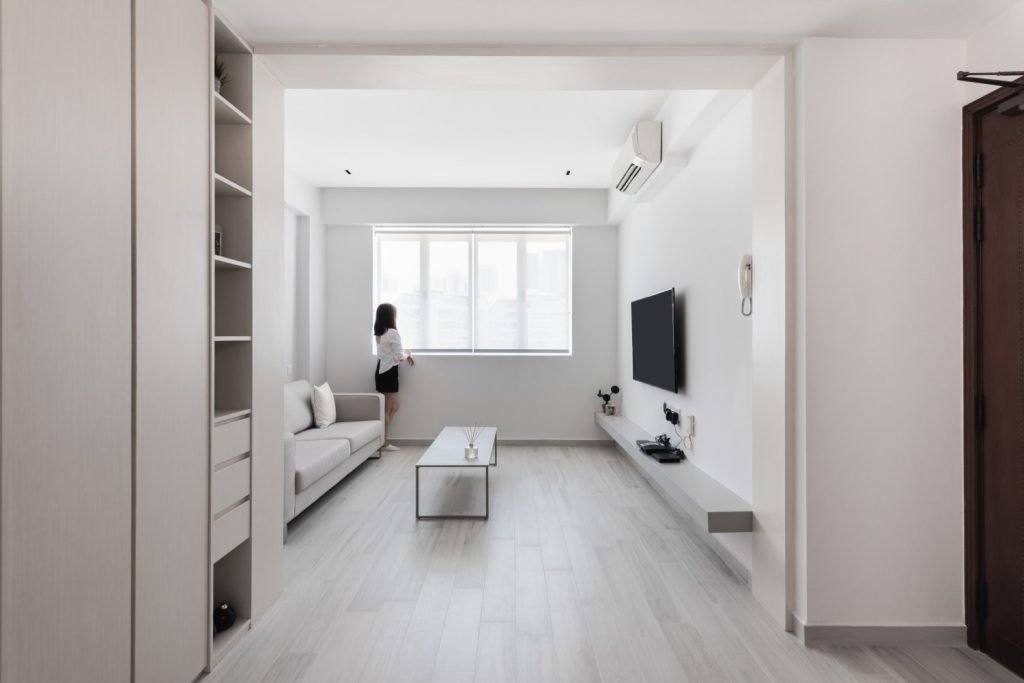 Living room with white decor and VIO LEGO smart recessed ceiling spot light