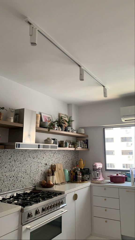 Kitchen lighting idea with VIO smart spot light installed at ceiling